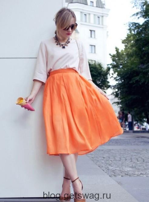 35 Цвета грядущего лета в образах уличных модниц