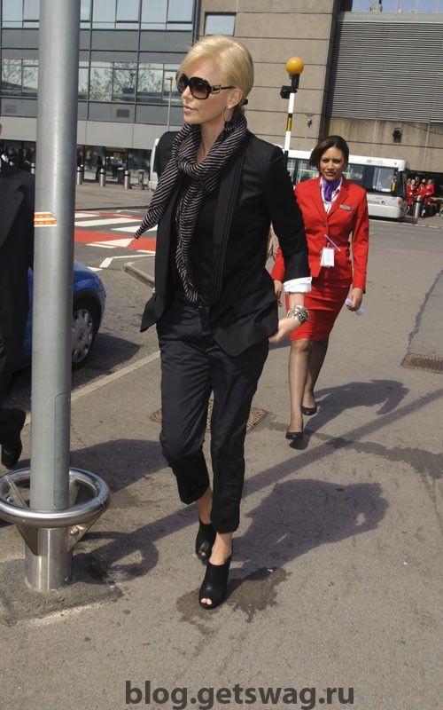 charlize-theron-04272011-4 Стиль Шарлиз Терон - фото уличного стиля одежды звезды в повседневной жизни